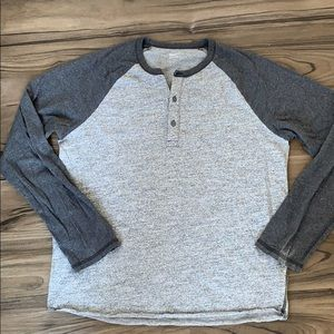 🎉3x$15🎉 Gap Grey Long Sleeve Hanley Shirt Top